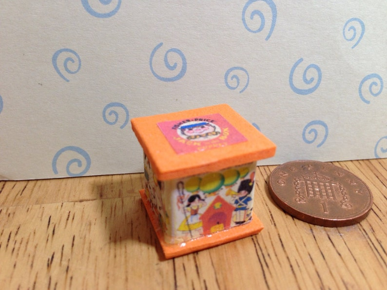 Dollhouse Miniature Jack In The Box Toy ~ IM65106
