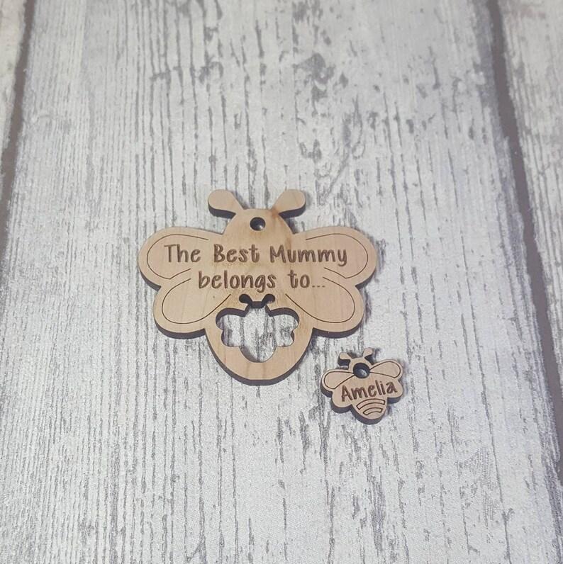 Personalised keyring Mum gift Bee keyring Mummy gift image 0