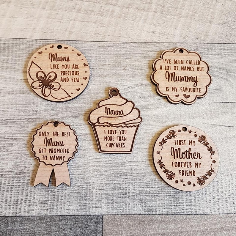 Mothers day gift mummy keyring wooden mothers day keyring image 0
