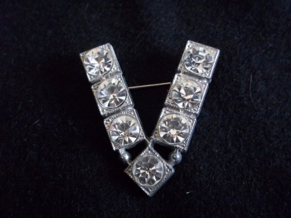 WWII Brooch Sweetheart Rhinestone Pin , V for Vict