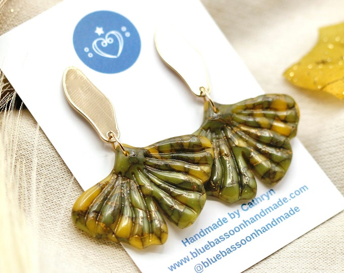 Ginkgo Leaves: Olive Green and Gold