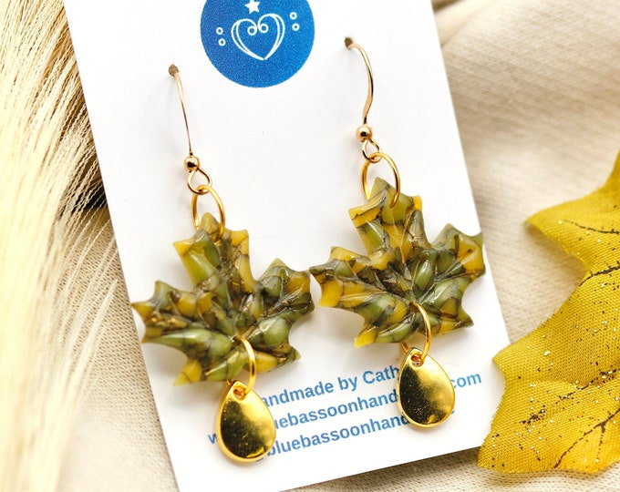 Small Maple Leaves: Olive Green and Gold