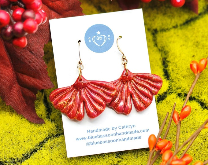 Ginkgo Leaves: Deep Red