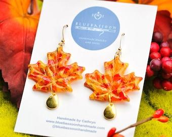 Fall Foliage: Large Maple Leaves