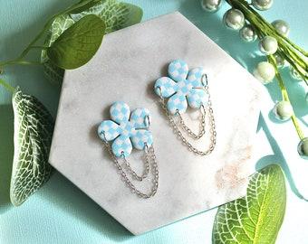 Blue and White Checks: Power Flowers