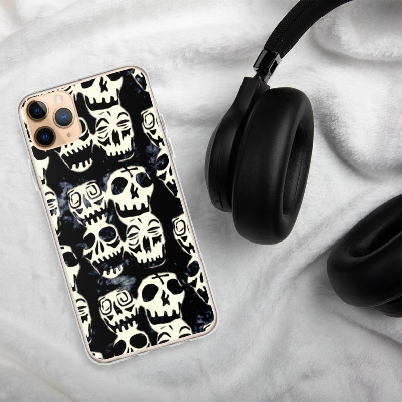 Voodoo Skulls Desperately Seeking Susan Madonna 80/'s iPhone Case