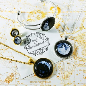 Sacred Geometry Necklace Boho Jewelry Watercolor Galaxy Grunge Geometric Jewelry Platonic Solids Necklace A little little love Icosahedron Pendant Necklace