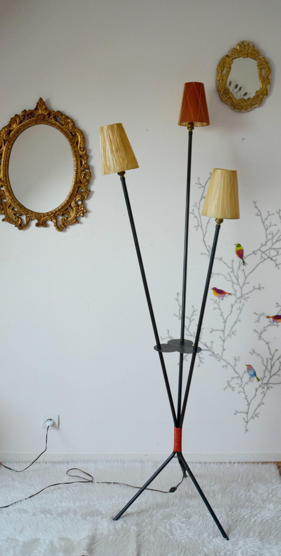 lampadaire vintage avec tablette pieds tripodescoubidou etsy. Black Bedroom Furniture Sets. Home Design Ideas