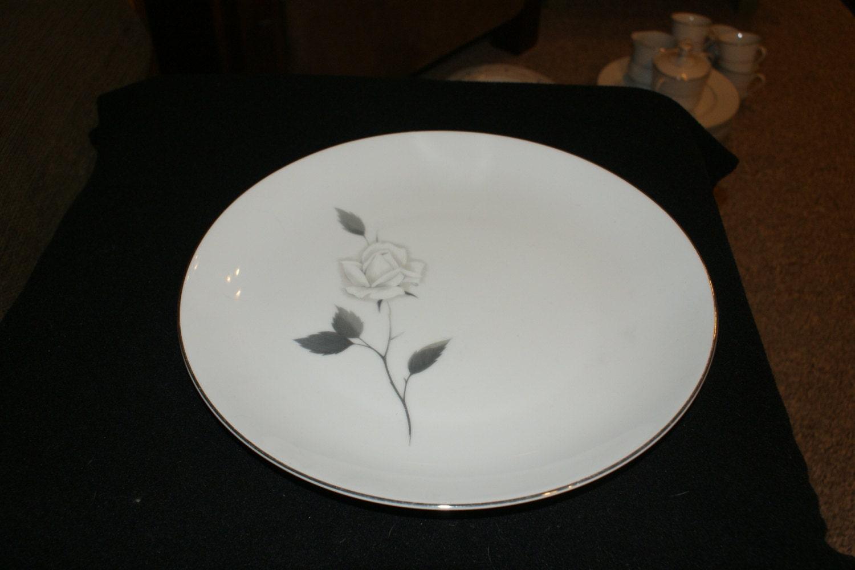 fine china von japan verzauberte rose 12 zoll runde etsy. Black Bedroom Furniture Sets. Home Design Ideas