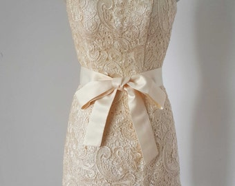 2015 Strapless Champagne Lace Short Bridesmaid Dress with Sash