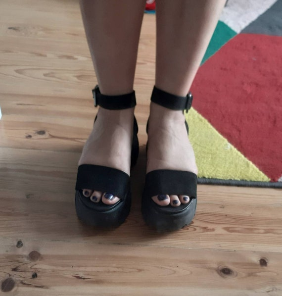 Black platform sandals chunky 90s style