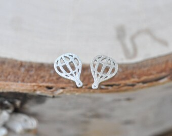 Silver Hot Air Balloon Earrings in Sterling Silver 925, Hot Air Balloon Jewelry, Balloon Earrings, Silver Hot Air Balloon