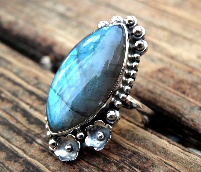 Blue Green Labradorite 925 Labradorite Ring Botanical Details Natural Stone Statement Ring Artisan Made Handmade in Sterling Silver
