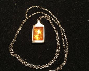 Vintage 925 sterling silver necklace with amber