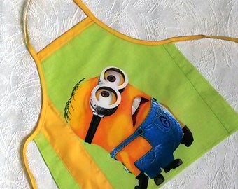 Cooking apron Childrens Minion Apron for kids Boys Girls apron Green Yellow Childs Cotton apron Cute Kitchen apron for kid Gift for grandkid