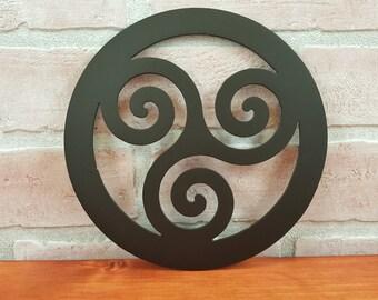 Triskelion trivet, Hot Plate, Hot pad, Triskele decor, Irish kitchen, Celtic kitchen, Celtic home décor, Rustic kitchenware, Triple Spiral 3