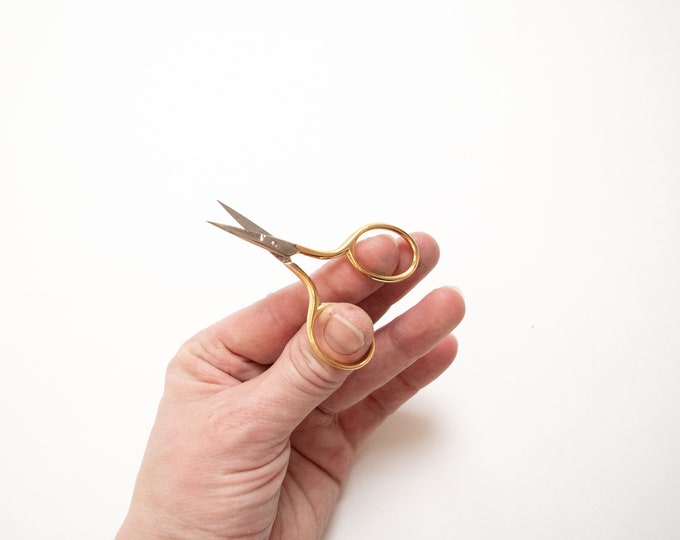 Tiny Snips - Gold Plated Handle Embroidery Scissors