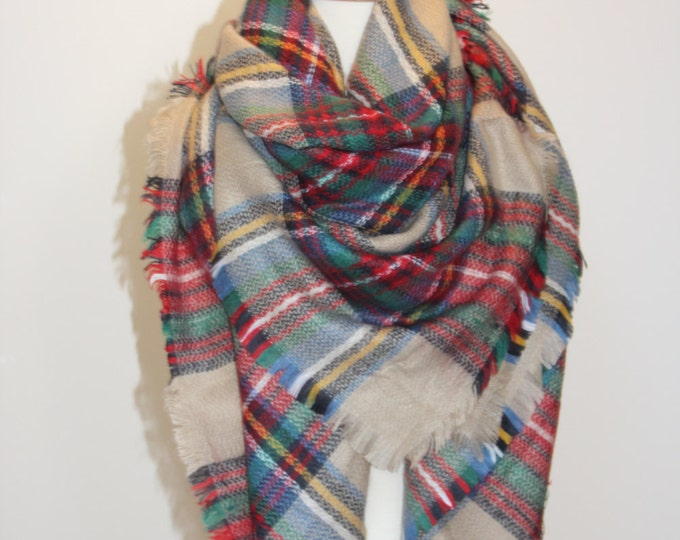 Blanket Scarf, Plaid blanket scarf, Tartan plaid scarf, Tartan scarf, Oversized scarf, Oversized plaid scarf, Camel Green Red