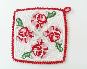 Tapestry crochet pattern Potholder with roses by Atelier Sopra