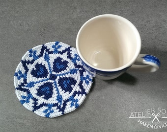 Tapestry crochet coaster pattern Delft blue (no.3), by Atelier Sopra
