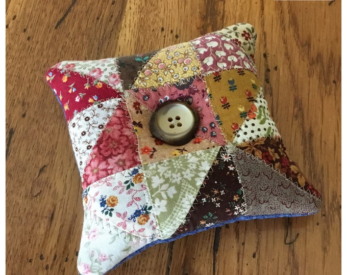 Homemade quilted Pin Cushion / Sewing Room / Craft Room / Crushed walnut filling / pincushions