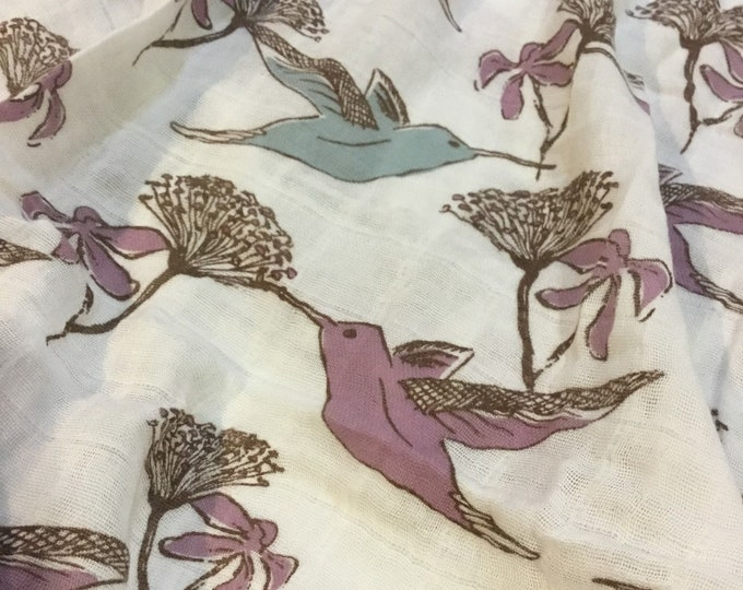 Large Hummingbird muslin swaddle, organic cotton, muslin swaddles, double gauze baby swaddle, approximately 50x50