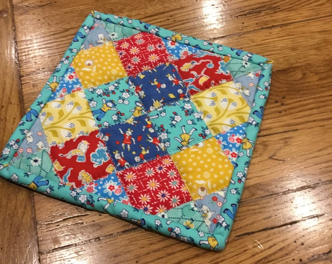 Homemade quilted pot holders, pot holder, hot pad, hot pads, approximately 8x8, these make a unique gift, long lasting