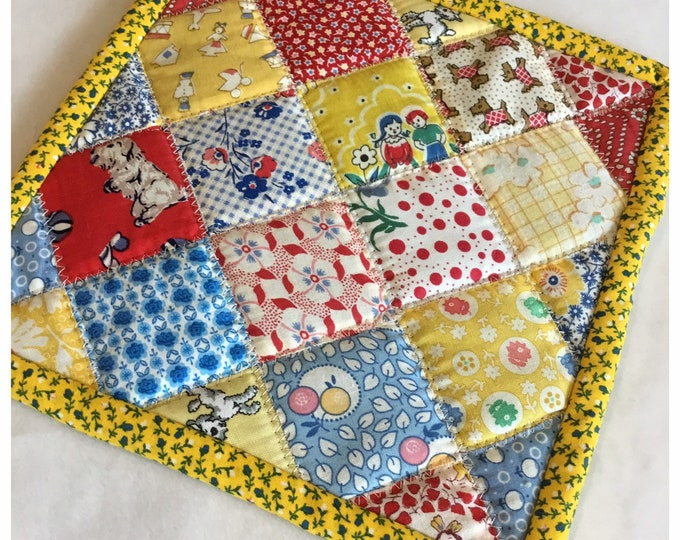 Homemade quilted potholder, quilted Hot Pad, pot holder, hotpad, perfect easter or Mother's Day gift