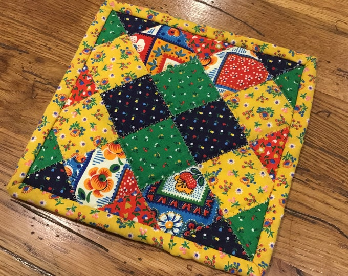 Homemade quilted potholder, quilted Hot Pad, pot holder, hotpad, perfect for gift giving and receiving, approximately 8x8