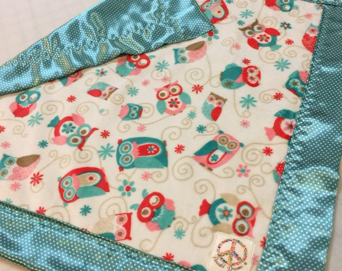Owl Baby Blanket, travel lovey., security blanky. This silky blanket is perfect for on the go. Make a special baby shower gift. Perfect Gift