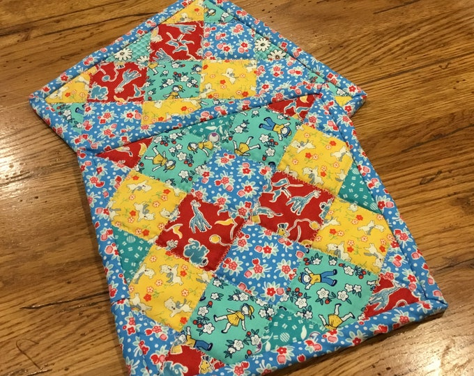 Two Homemade Heavy Duty quilted potholder, This handmade set of quilted hot pads are approximately 8x8, I used 1930's reproduction fabric,