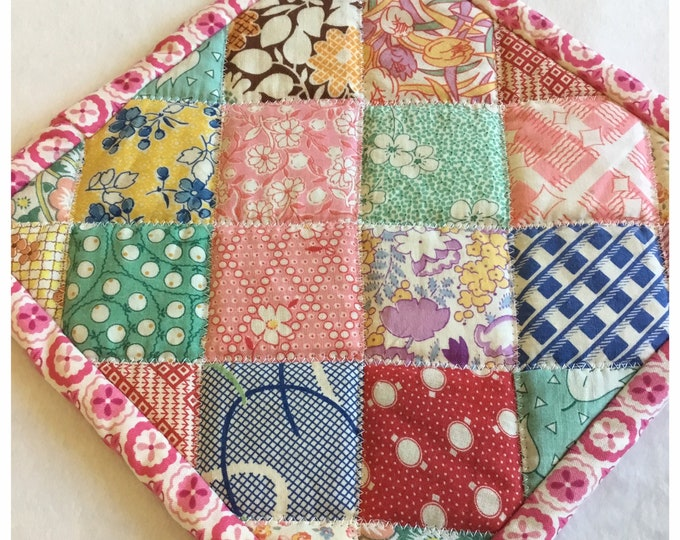 Homemade quilted pot holders, quilted Hot Pads, pot holder, hotpad, long lasting unique gift. Approximately 9x9