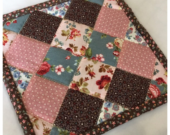 Homemade quilted potholder, quilted Hot Pad, pot holder, hotpad, perfect for easter or Mother's Day gift