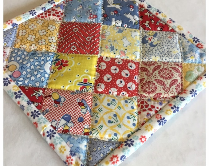 Homemade quilted potholder, quilted Hot Pad, pot holder, hotpad, hotpads, potholdes, great easter or motherday gitf