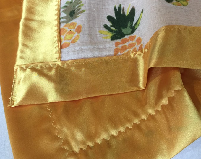 Adorable Pineapple muslin, Backed & edged with high Quality silky fabric .. Perfect baby shower gift. Lovey 20x20