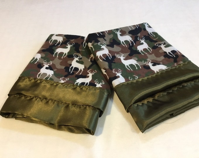 Lovey, baby blanket, crib blanket, silky blanket. Camo deer flannel front, backed and edged with coordinating silky, 20x20,
