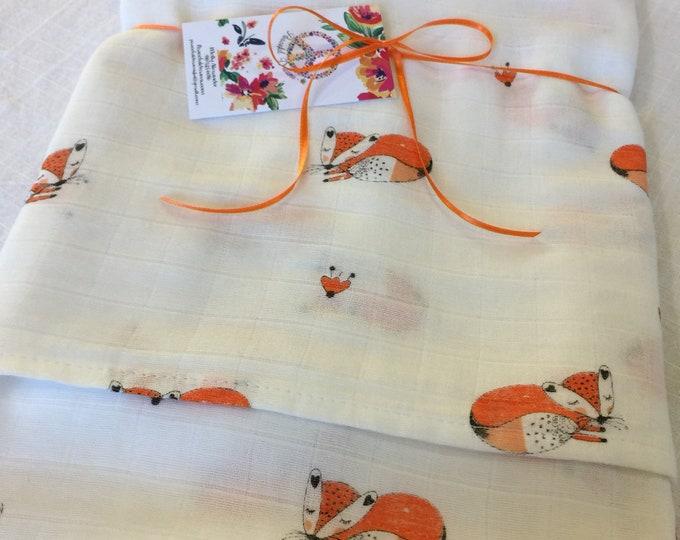 Fox Double gauze swaddle, woodland, Muslin swaddle, swaddle blanket, newborn, light weight breathable baby blanket, baby shower, gift 45x45