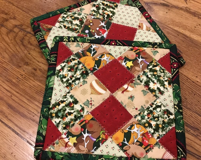 Fun set of Christmas pot holders, Two Homemade Heavy Duty quilted potholder, This handmade set of quilted hot pads are approximately 8x8