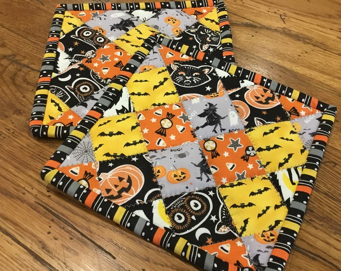 Fun set of Halloween pot holders, Two Homemade Heavy Duty quilted potholder, This handmade set of quilted hot pads are approximately 8x8