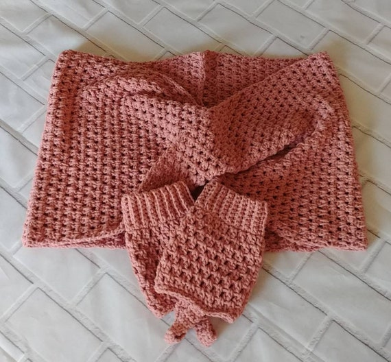 Twisted Cowl Infinity Scarf.