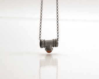 Flue of Soul - silver necklace with garnet