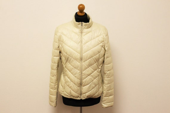 Light Puff Jacket Creame White Two Pockets Elegant Trench Medium to Large Size Womens Outerwear