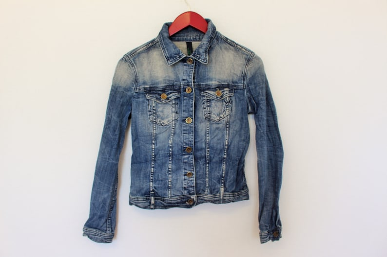 brand new bf37b d553e Denim Jeans Jacket BENETTON JEANS Womens Washed Denim Blue Jeans Jacket  Trucker Jacket Riders Size Medium