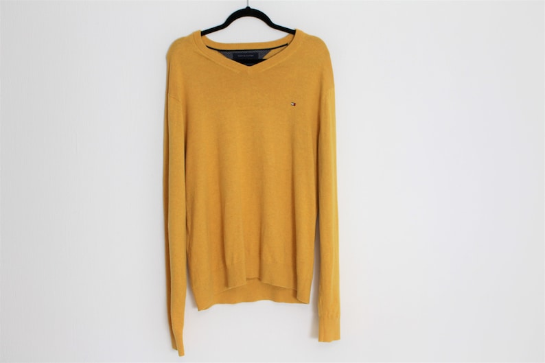 c41672c0ef9 TOMMY HILFIGER sweater Yellow Wool and Cotton Ribbed sweater Mens Yellow V  neck Pullover Large to XL