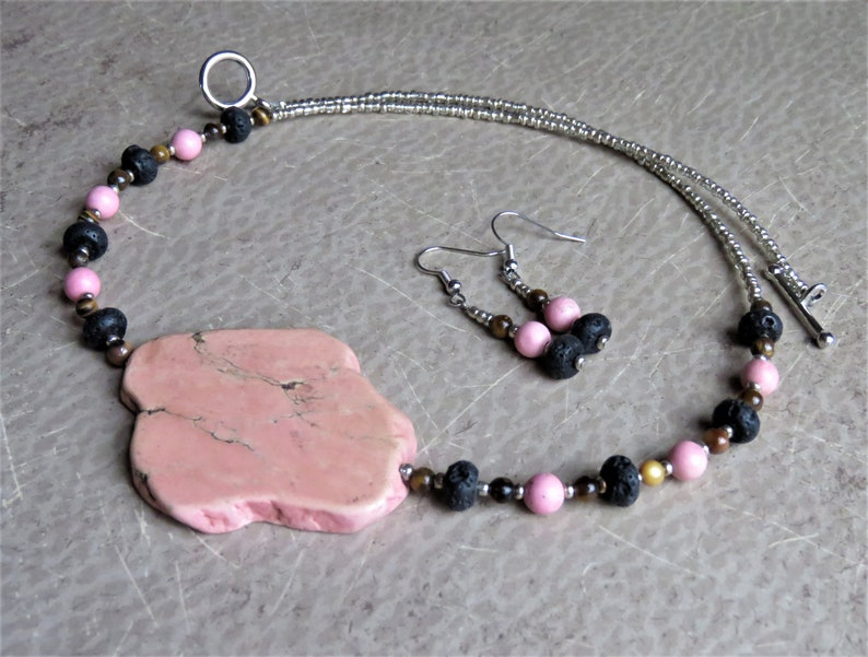 21 /& Howlite Necklace and Earring Set Lava Tigers Eye Pink Magnesite