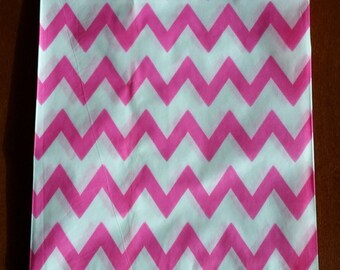 """10 Medium Hot Pink and White Chevron Candy bags, measuring 5 1/8"""" x 6 3/8"""""""
