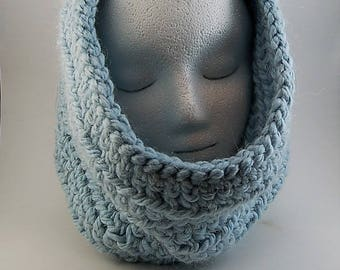 Cowl Alpaca Light Blue, Women's Cowl, Blue Cowl, Crochet Cowl, Gifts for her, Holiday Gift for her, Girls Cowl, Bulky Cowl, Chunky Cowl.