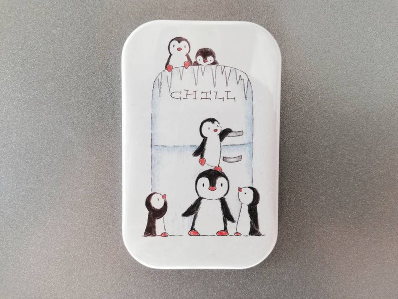 Penguin fridge magnet image 0
