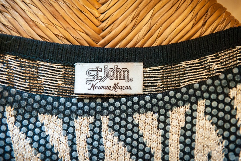 GORGEOUS Gold and Black~ Vintage Saint John~ Animal Print Pullover Sweater