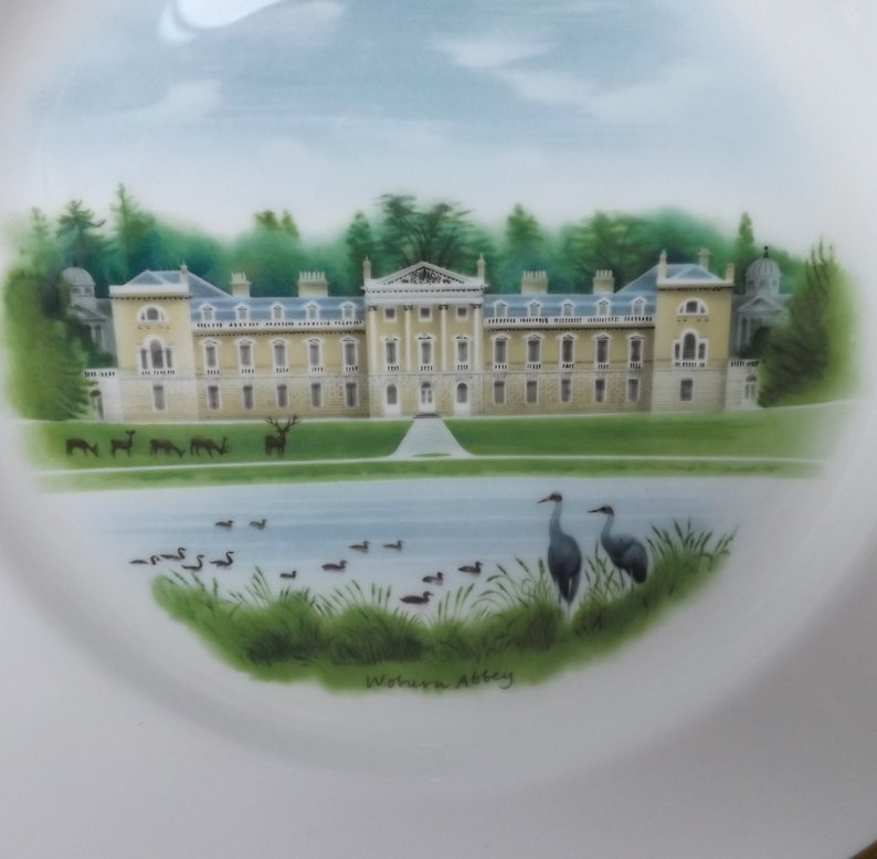 Limited Edition 27cm Diameter Bone China Decorative Plate WEDGWOOD PLATE Woburn Abbey Mothers Day Gift Made in England